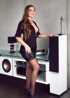 Escort Hamburg Lady Vanessa very sexy and ready for take out