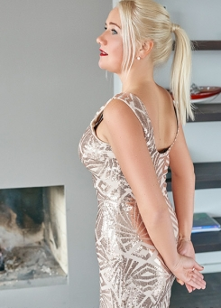 Escort Hannover Modell Liv in Partydress