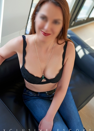 Casual and sexy Escort Hamburg Modell Hannah
