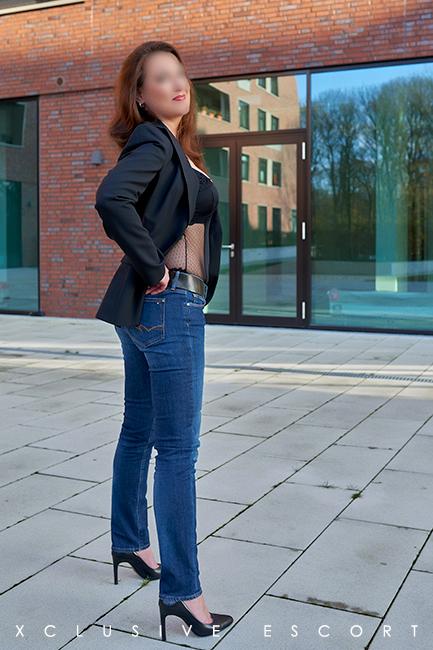 Escort Hamburg Dame Hannah in Jeans