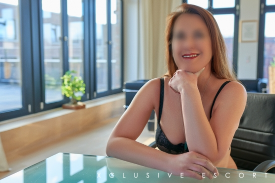 Escort Hamburg Dame Hannah perfect smile