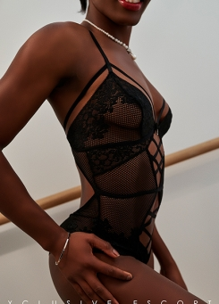Escort Hamburg Modell Joelle in sexy Body