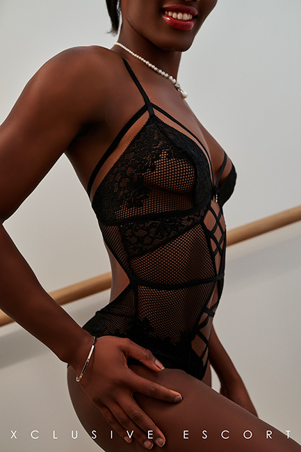 Escort Hamburg Dame Joelle in sexy Body
