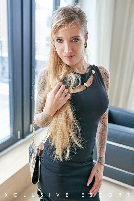 Escort Hamburg Modell Pia n elegance Outfit