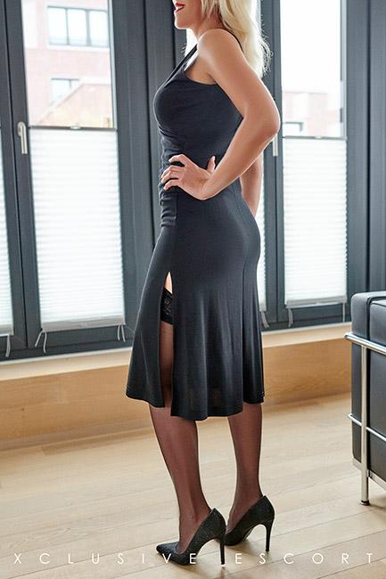 Escort Hamburg Model Nina elegance for Dinner