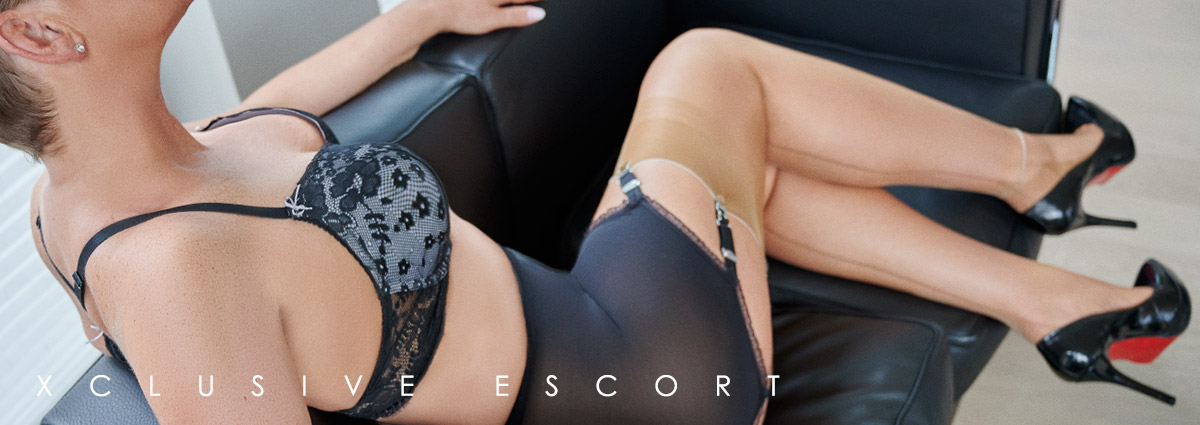 Escort Hamburg Model Tia loves original Nylons
