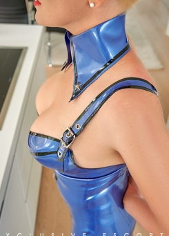 Escort Hamburg Dame Lea in Latex