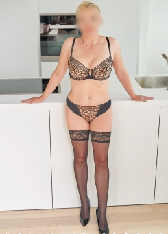 Escort Hamburg Dame Lea in hot Stockings