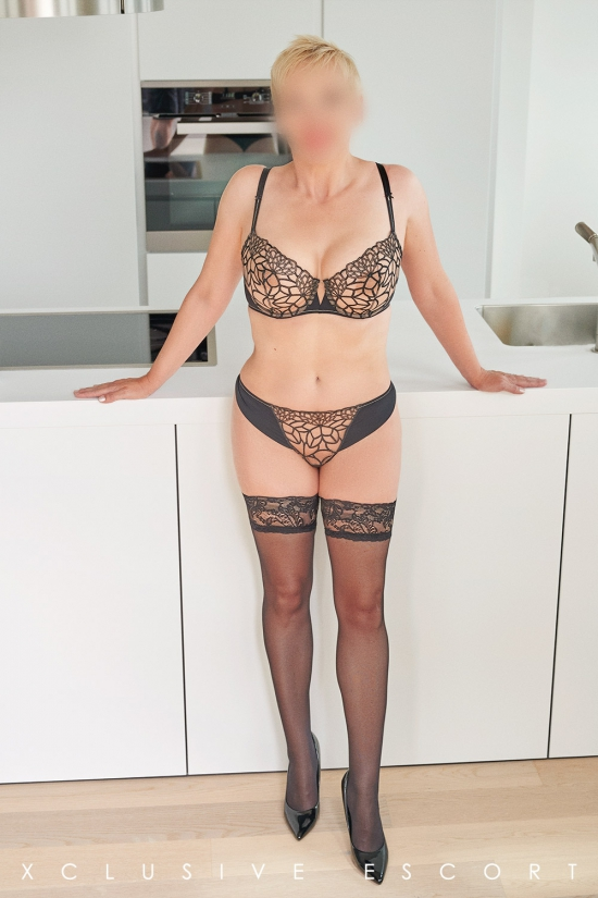 Escort Hamburg Dame Lea in hot Stockings