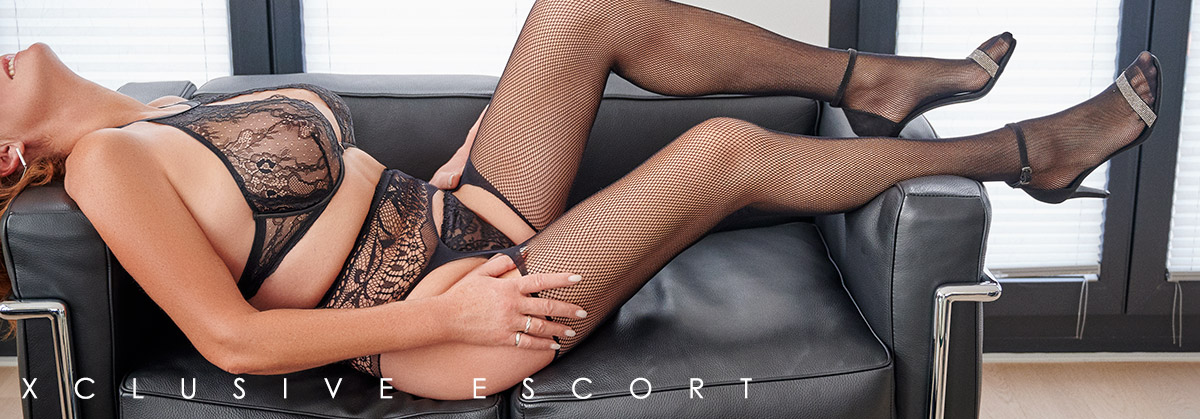 Escort Hamburg Model Dorina in hot Lingerie